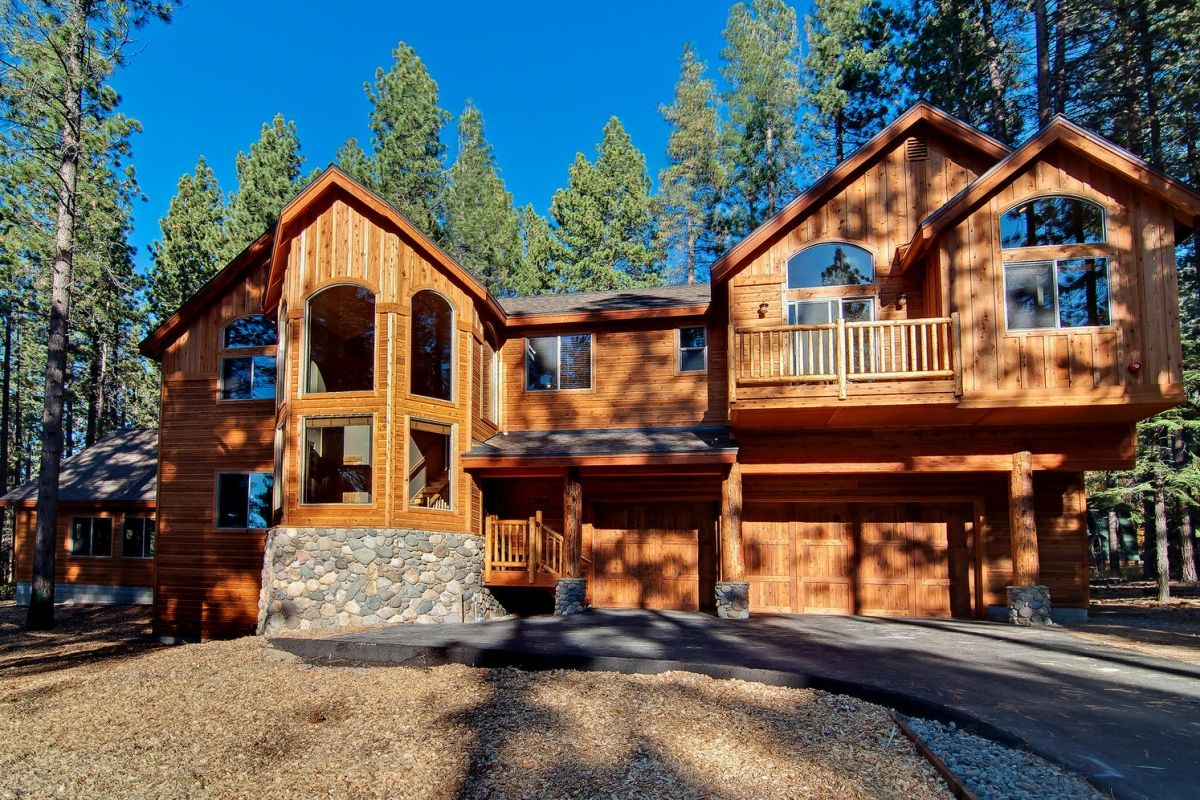 of home lake north house tahoe drive cabins south truckee ca the rental welcoming front upper kiowa