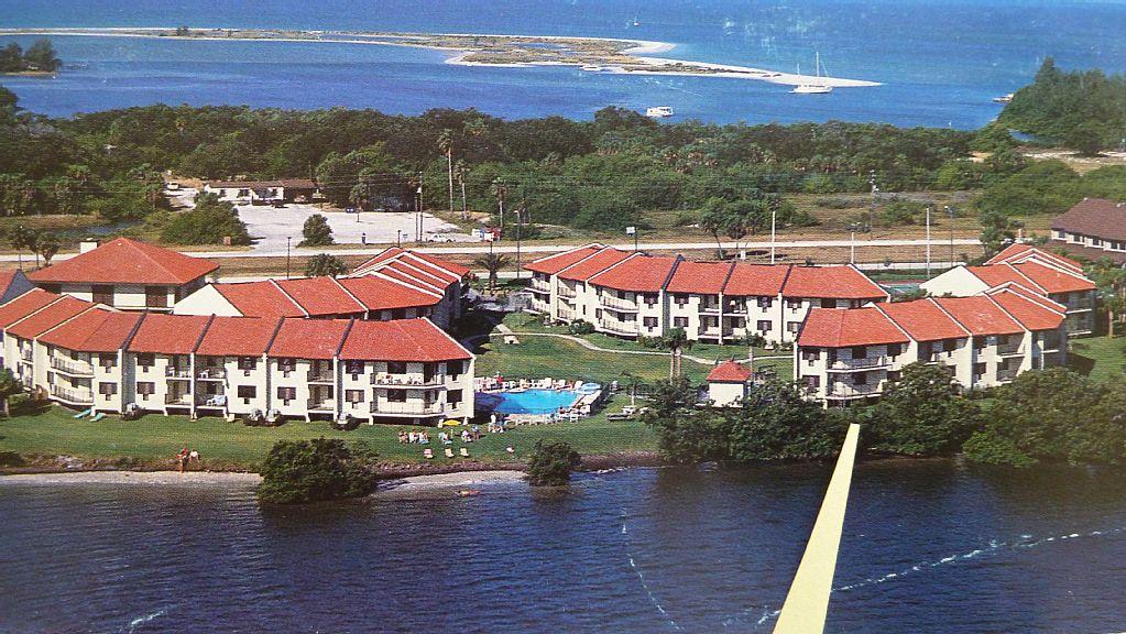Tierra Verde FL FAMOUS NORTH BEACH just steps away -SPECIALS Jul/Aug/Nov 2016