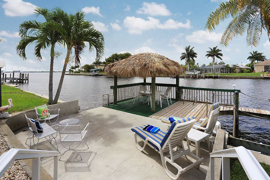New!!! Panoramic River Views & Tropical Luxury Living! Tiki Hut, Boat Avail