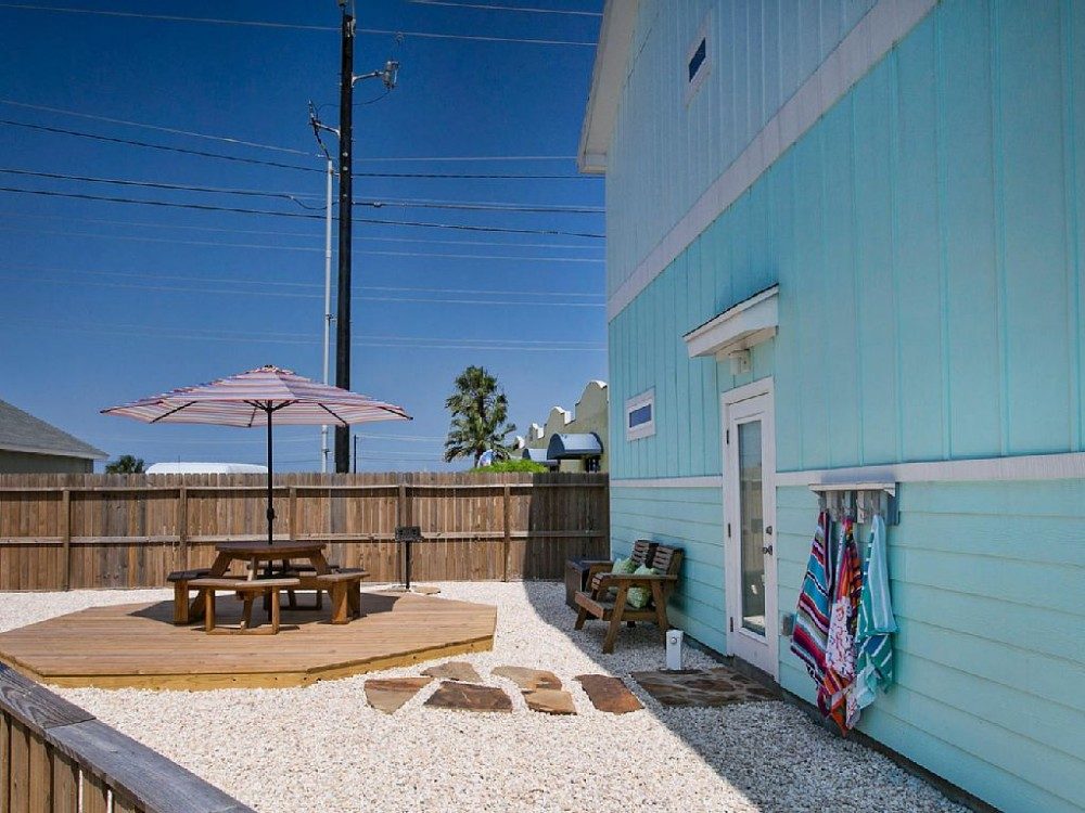 corpus christi vacation rental with Private Side area for family gatherings