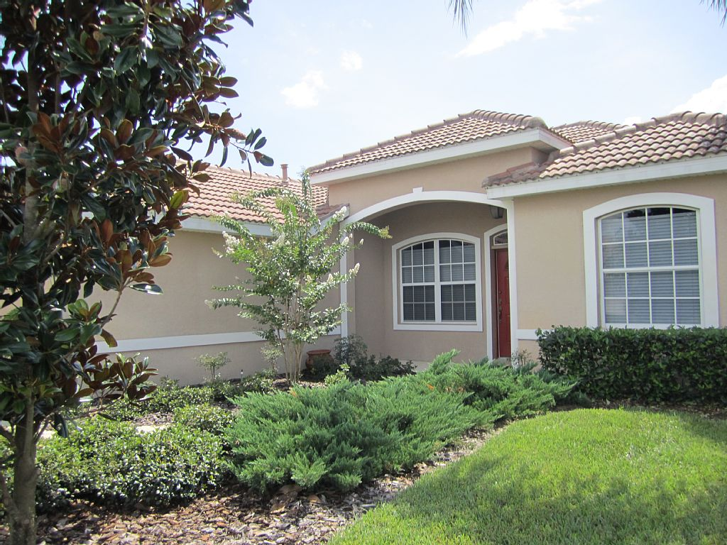 Beautiful Home in Attractive Golf Community