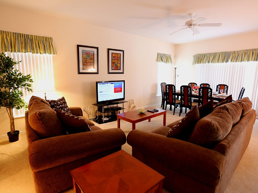 Newly Renovated Luxury 6 BR/3.5 BA, Close to Disney. Grand Opening, Free Wifi