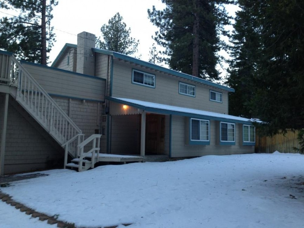 South Lake Tahoe vacation rental with outside Jan