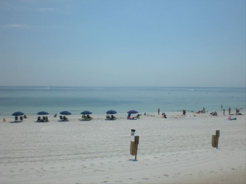 Great Value - Cozy 1BR/1BA Condo - Conviently Located Steps From The Beach