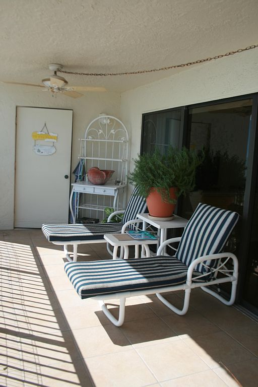 Directly on the white sands of Madeira Beach over-sized balcony, heated pool