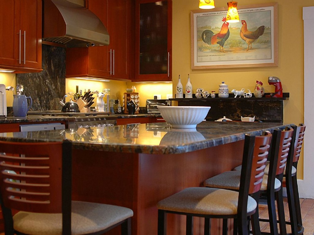 Cambridge vacation rental with Kitchen with granite island that seats six