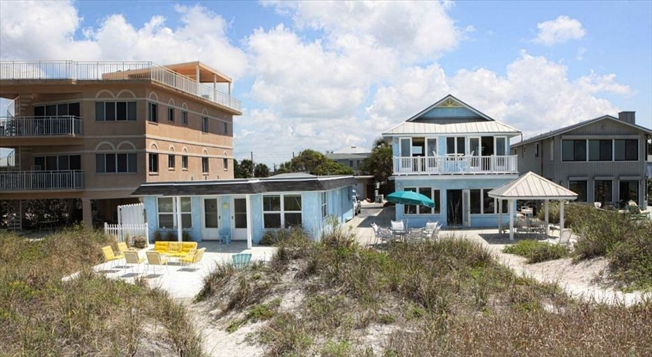 Premier Beachfront Homes up to 9 BR/6BA - Sleeps up to 26