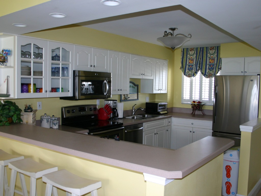 Beautiful Oceanfront Condo - Completely Renovated