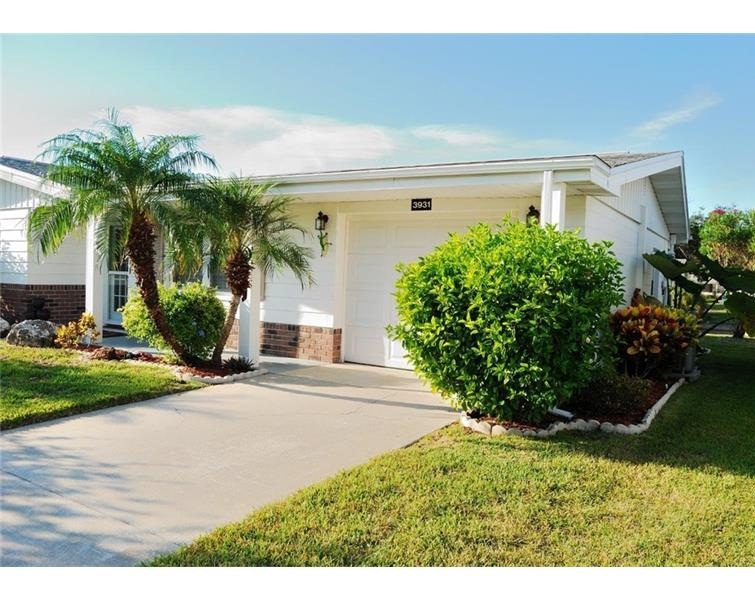 Close to Gulf White Sandy Beach, Canal Front, Full Furnished, New Remodeled Home