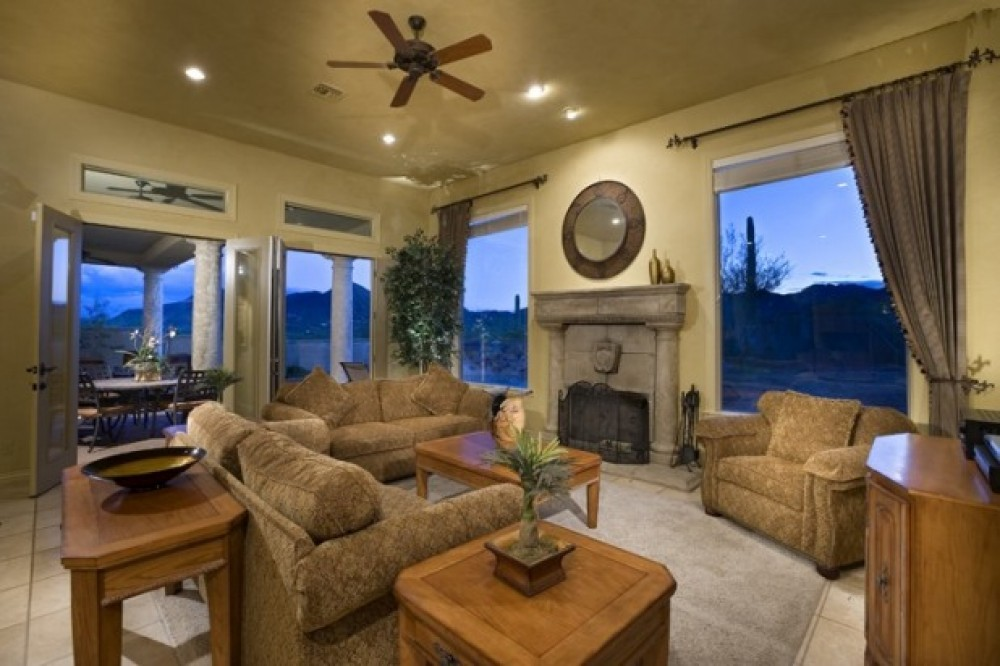 tucson vacation rental with great room