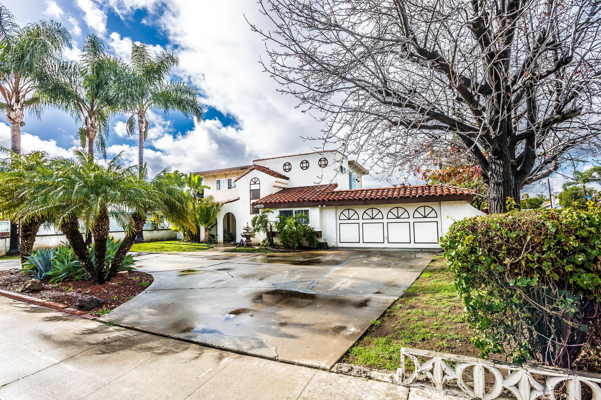 Cozy, Comfortable, Elegant and Central..  Rancho Santiago