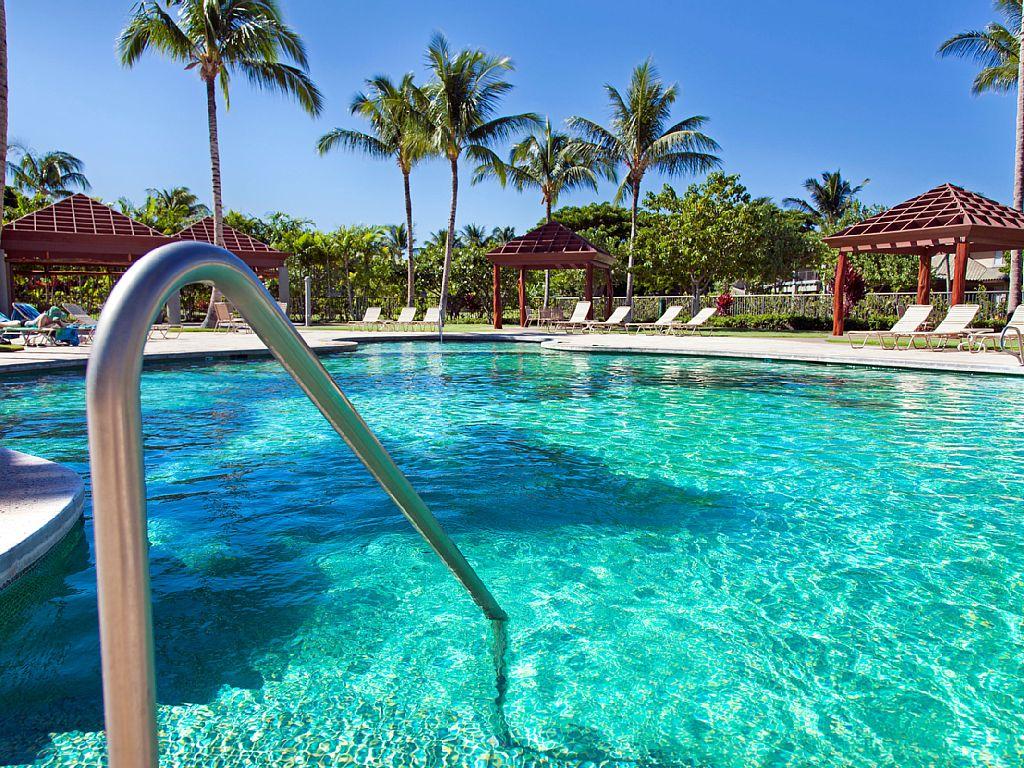 Beautiful 2 bed 2.5 bath in a perfect Hawaiian setting!
