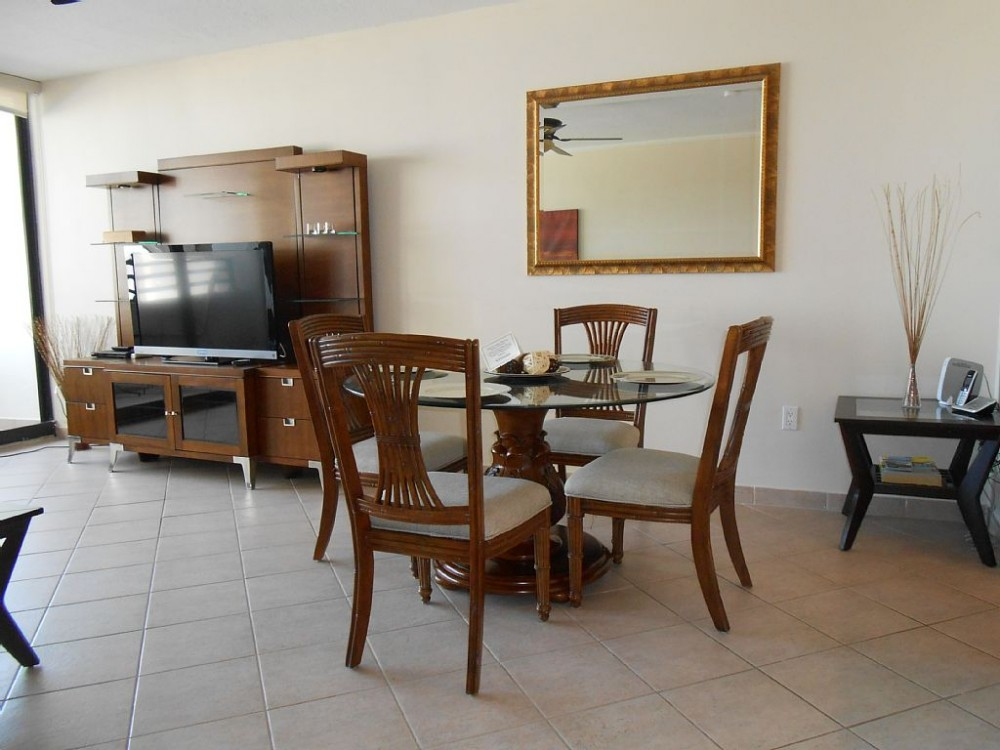 Hollywood vacation rental with Dining Room