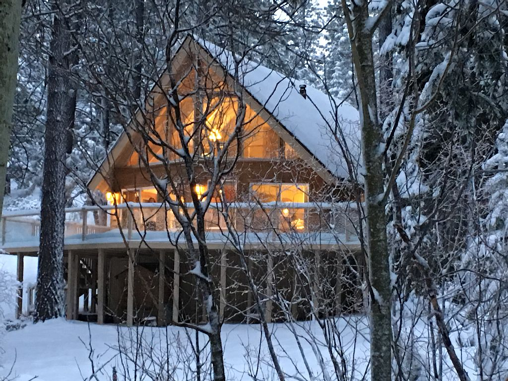 Luxury Tahoe Chalet with Large Deck and Great View