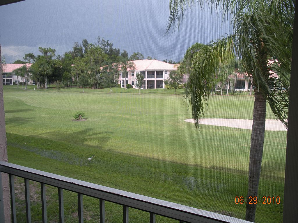 Condo at Great Location * with Fairway Views and Pool * near Beach