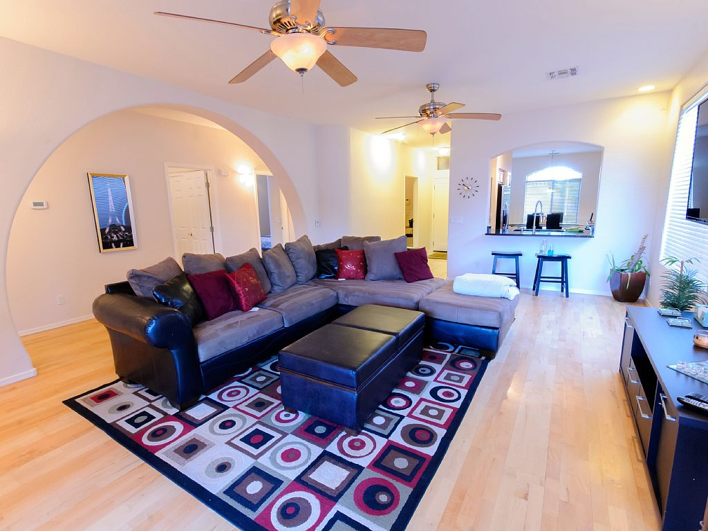 Tempe/Scottsdale/Phx 3 Bd/2 BA, Sleeps 6, LUXURY HOME close to EVERYTHING!