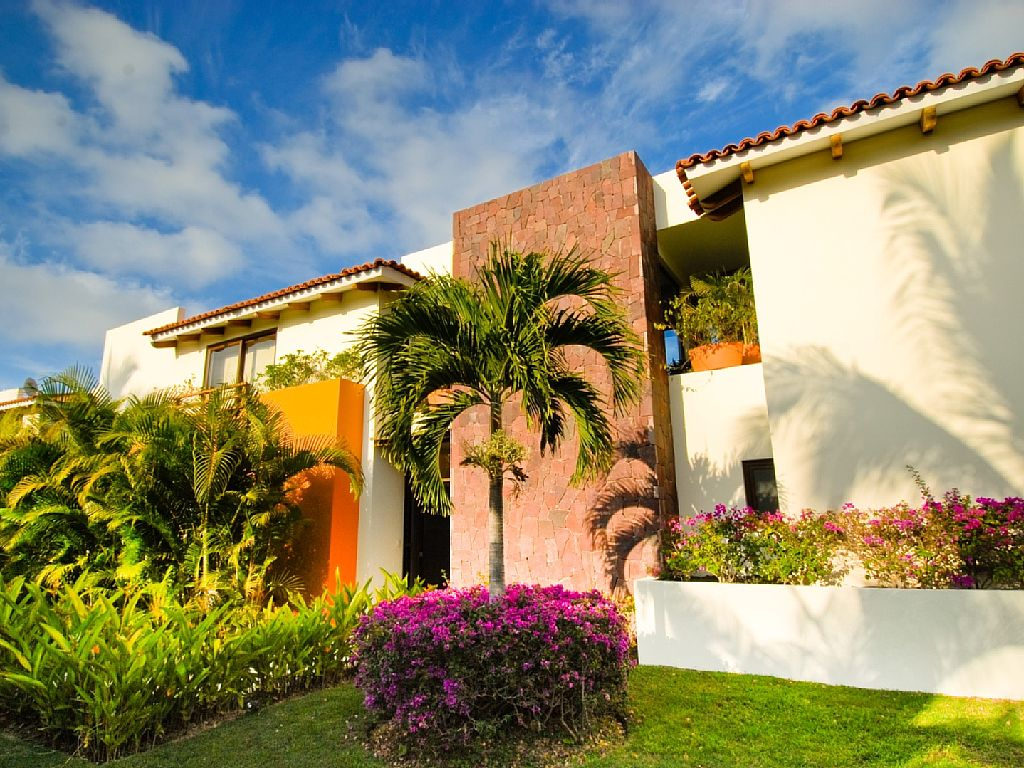 Private 4 BR Villa on Golf Course with Pool, Hot Tub on a Very Large Property