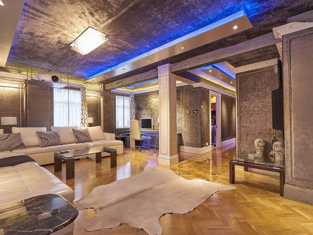 London Marylebone vacation rental with Lounge / Reception - Daytime Aqua Mood Light