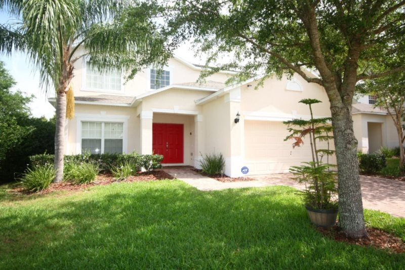 : Upscale 5 Bedroom 3.5 Bath Private Pool Home w/Game Room Close to Theme Parks