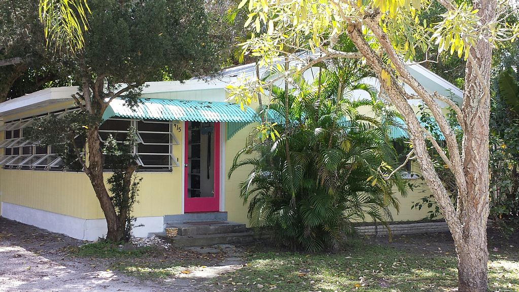 19 Palms. Quaint Old-Florida Charm. Blocks From Beach And Bay
