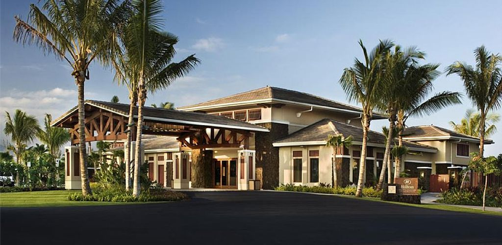 RING IN NEW YEARS IN STYLE!! TOP NOTCH HILTON VACATION-2BR W PRIVATE LANAI