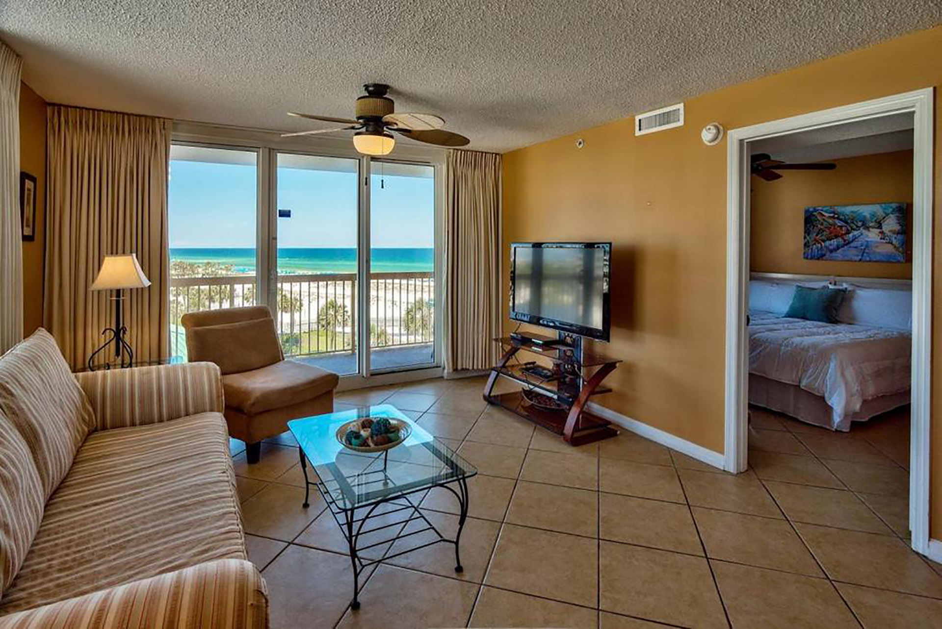 2BR Direct on Pelican Beach and Sands, Great Gulf View, Spacious, Modern, Wifi