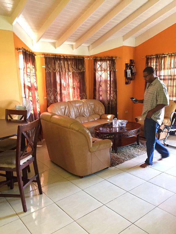 Get Away 2 Bedroom Cottage for Rental- Ocho Rios