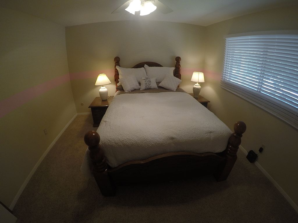 Nice & Comfy 2bd/1bath Complete Fully Furnished house Central Colorado Spings :)
