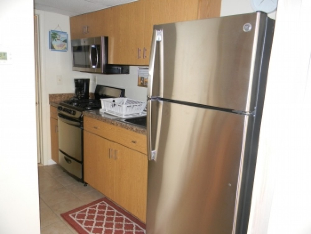 wildwood crest vacation rental with Updated Kitchen with all new Stainless Steel Appliances.