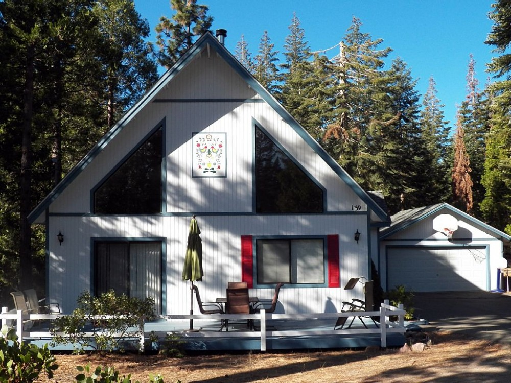 mount shasta vacation rental with