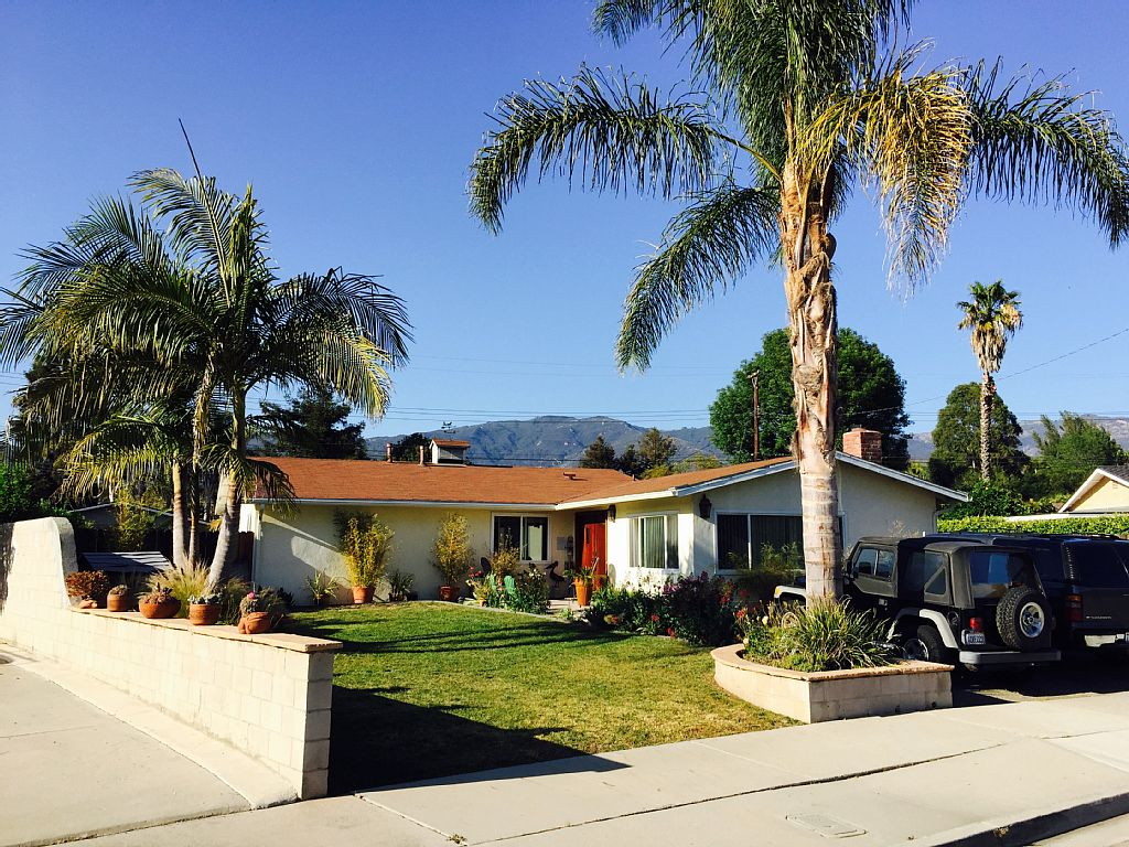 A Comfortable Remodeled Family Retreat just minutes from all SB Attractions!