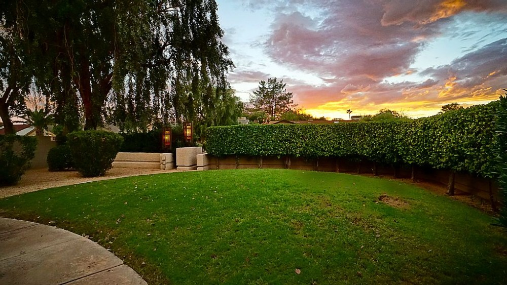 scottsdale vacation rental with Front of the house at dusk