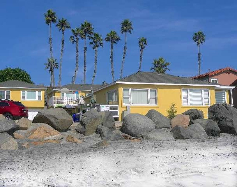 oceanside vacation rental with Pacific Blue Apartments