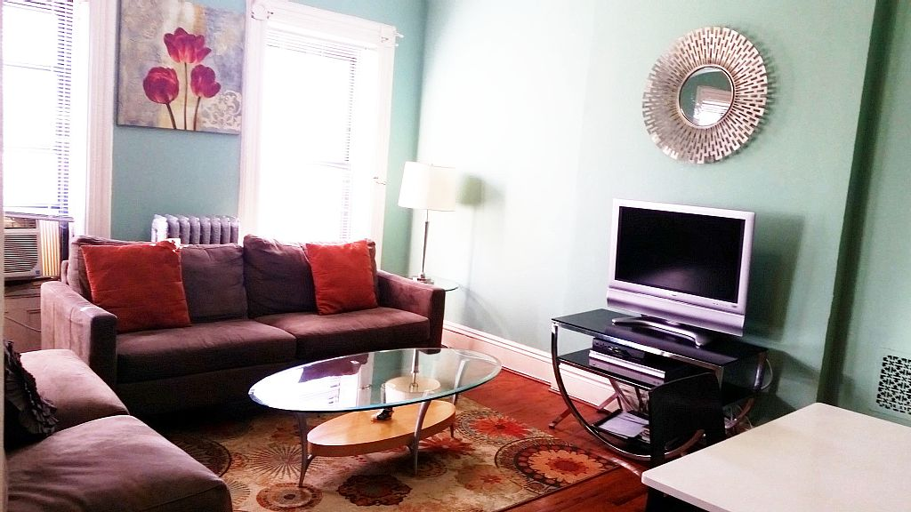 Classic, Elegant & Modern 2BR apt- with only 12min(4 train stops) to Manhattan