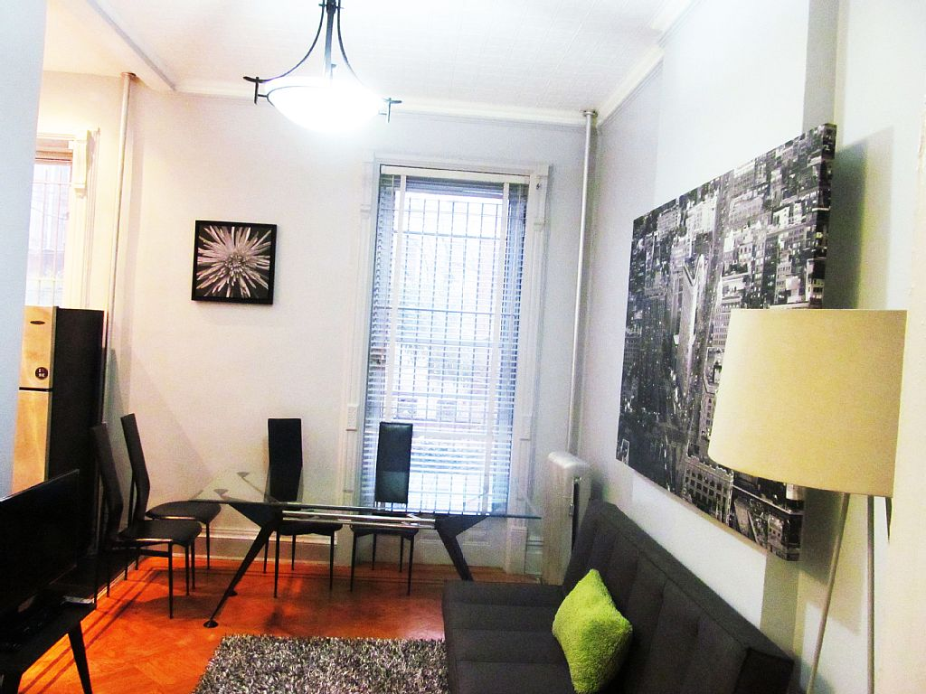 Historic 2BR Railroad apt- only 12min to Lower Manhattan