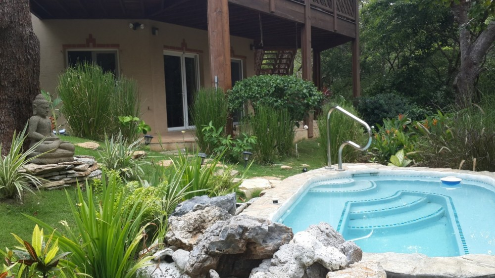Roatan vacation rental with