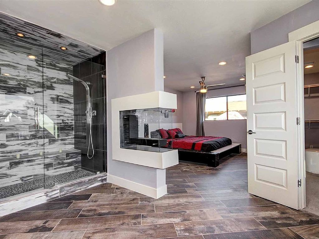 Luxury Old Town Scottsdale Rental - New and Modern Interior & Features