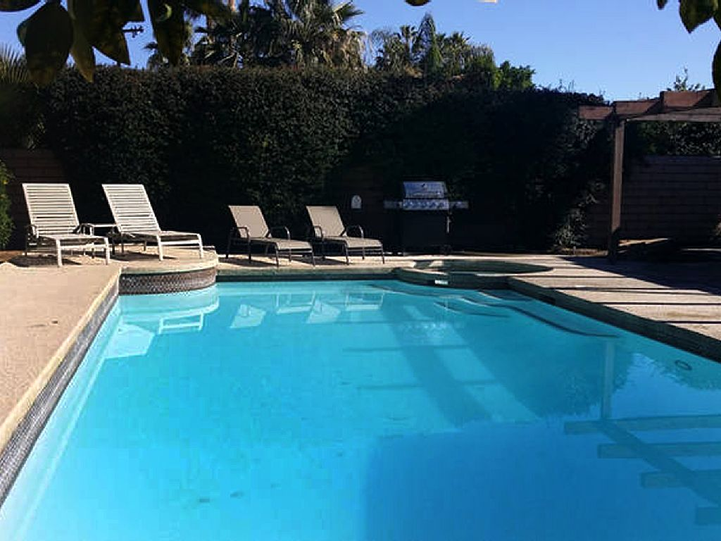 Just Minutes from El Paseo, Palm Desert with Your Own Very Large Pool and Spa