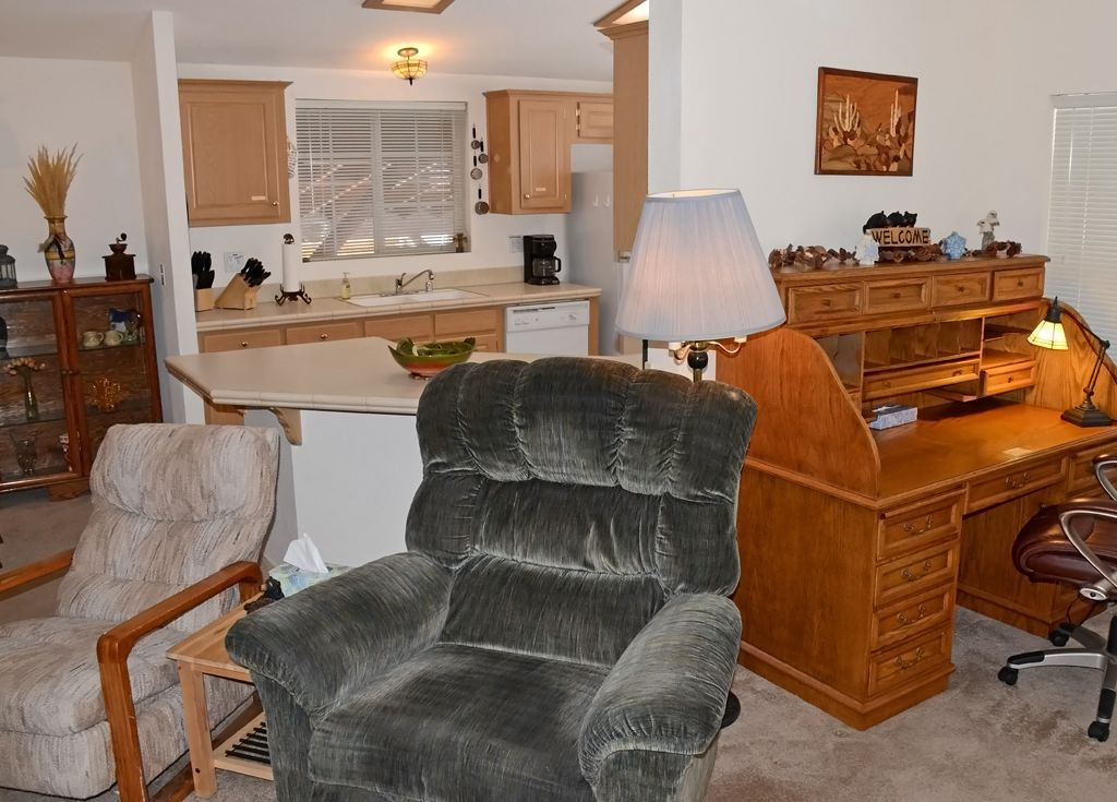 Half a Mile from Oktoberfest and the Lake! 3 Bedrooms, 2 Bathrooms for 8 People