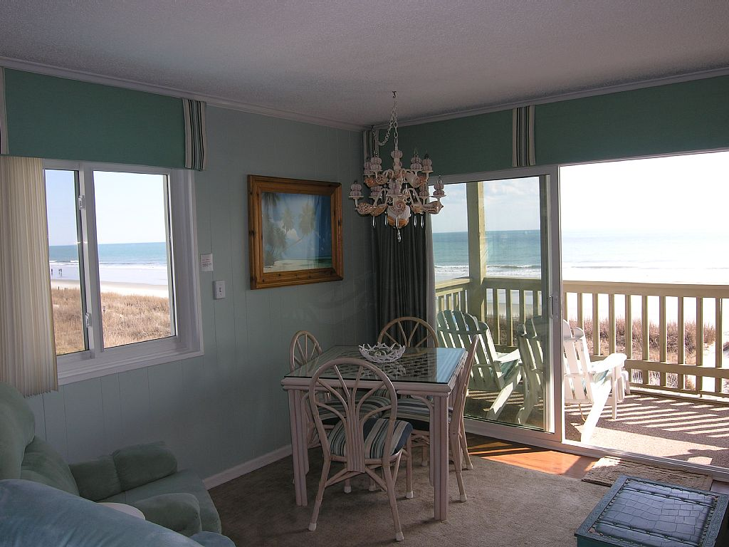 DIRECT OCEANFRONT! - SUPER CLEAN -oWNED SINCE 2008 - BEST REVIEWS!  BOOK NOW!!