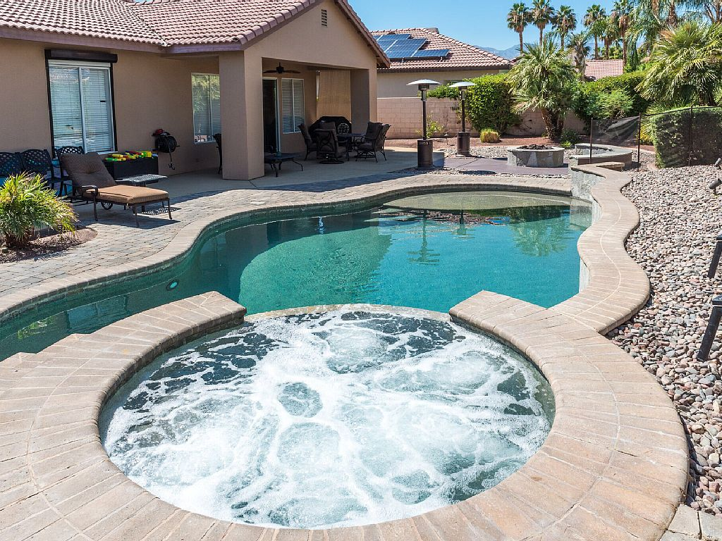 5/4, 8 Beds, Pool Fence Available