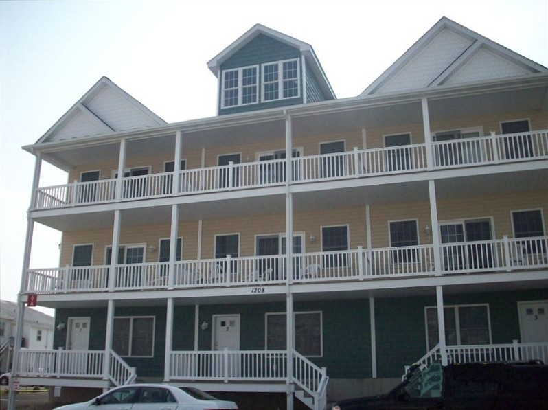 OCMD Ocean City Maryland Vacation Rental  Sleeps 12.  4 Bedrooms, 3 full and one Half bath,   2 Blocks to Ocean,, 2 Car Garage AND assigned space