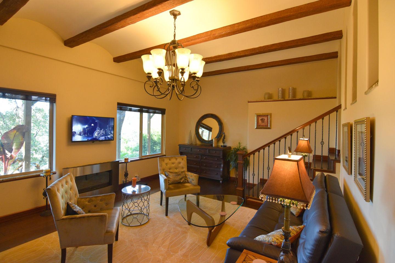 *VIEWS* Luxury Tuscan Villa on 1 Acre