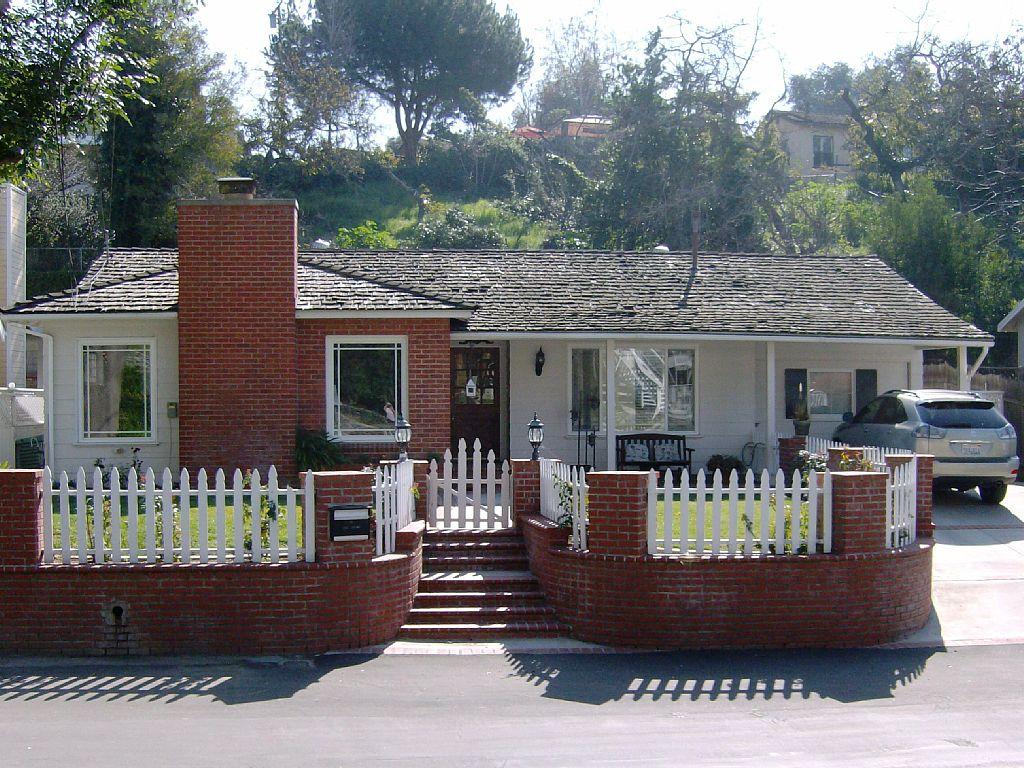 Charming Home Near Knotts And Disneyland
