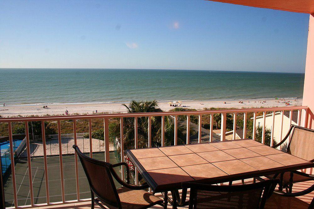 Top Floor Ocean Front Luxury Beachfront Condo - 5 Stars - New Inside!