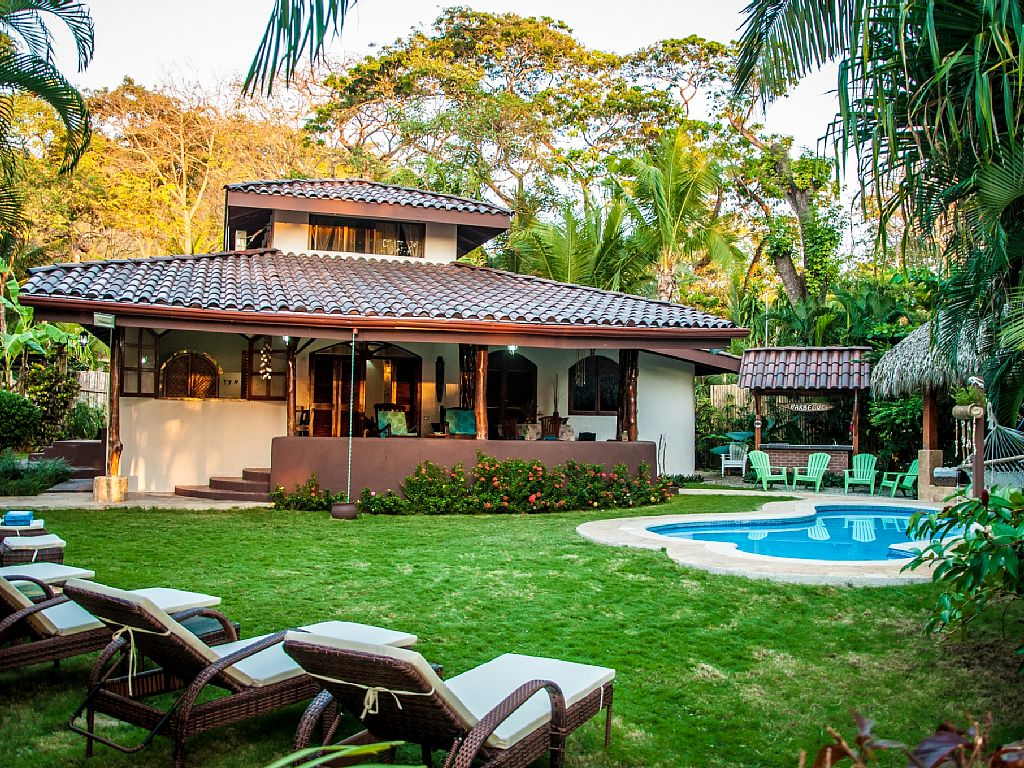 Beachfront Villa Bonita - Centrally located in Santa Teresa, Costa Rica