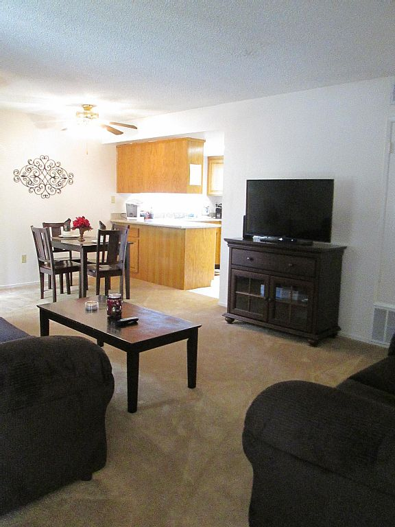 Luxury Furnished 2bed/2bath Apartment Home, Sleeps 6