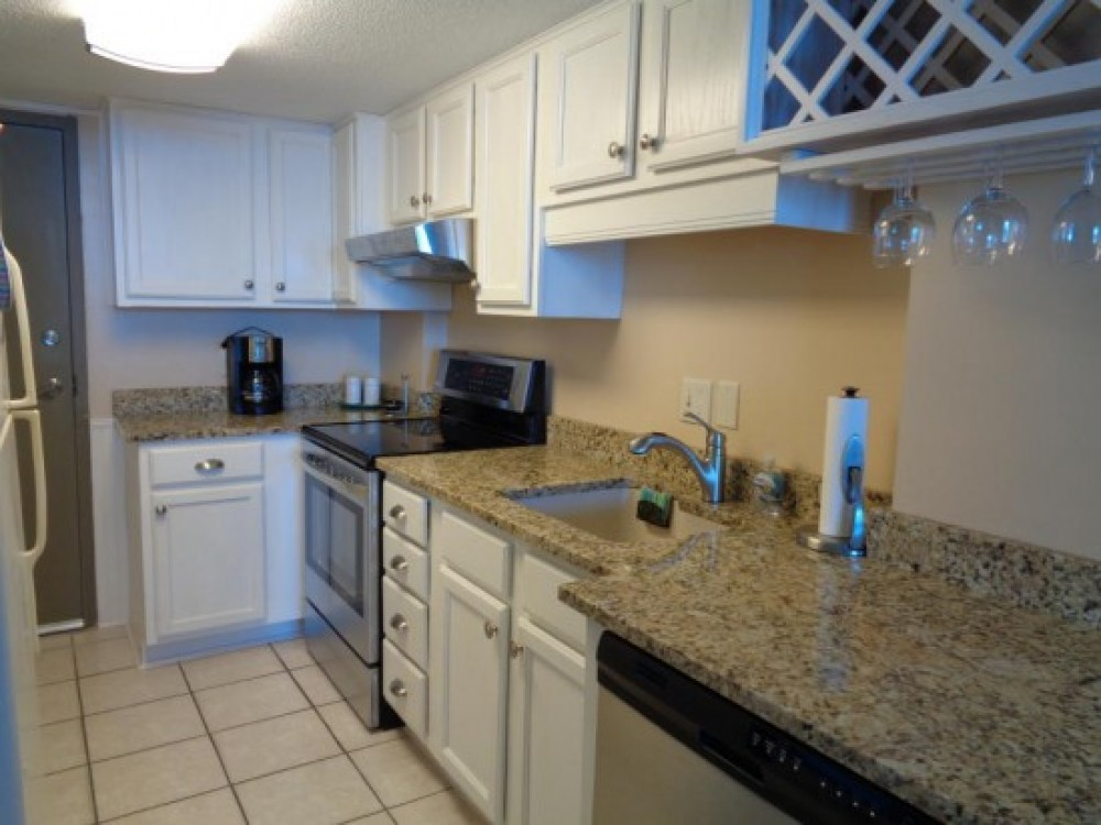 New stove, new refrigerator, dishwasher & mic Airbnb Alternative gulf shores Alabama Rentals