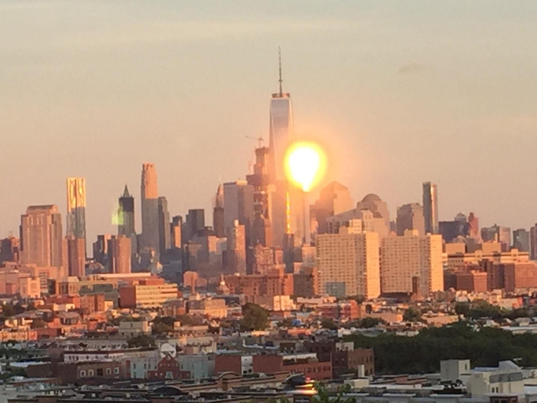 See New York Now Sleep 16+People!