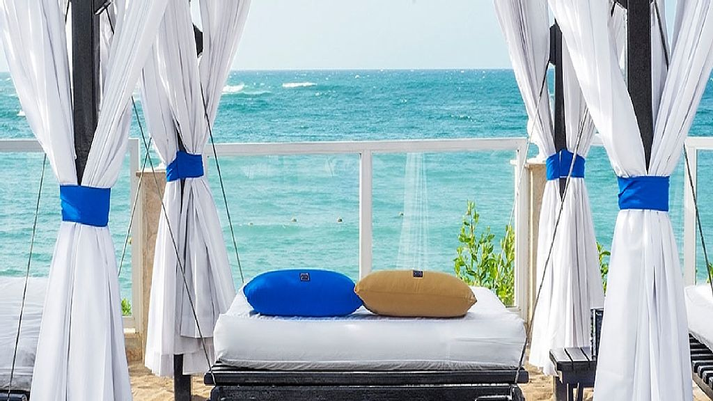 Deluxe Beach Studio at Confresi Palm Beach Spa and Resort
